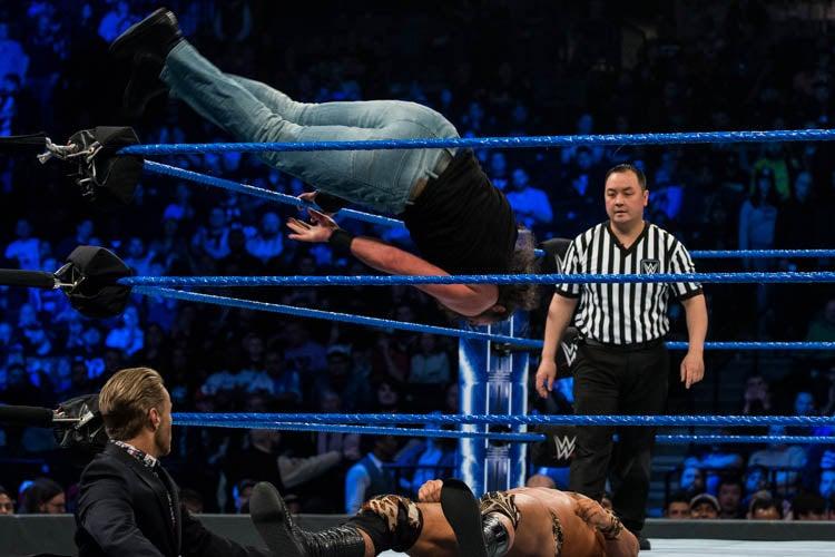 20190409MF007_WWE_Smackdown-lpr.jpg