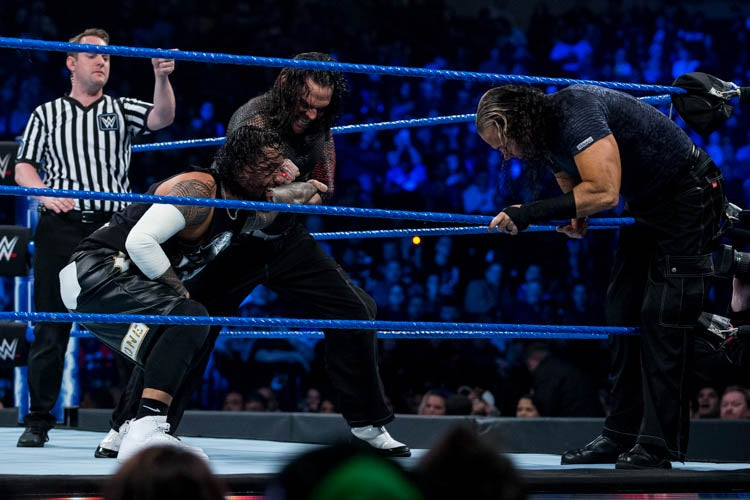 20190409MF041_WWE_Smackdown-lpr.jpg